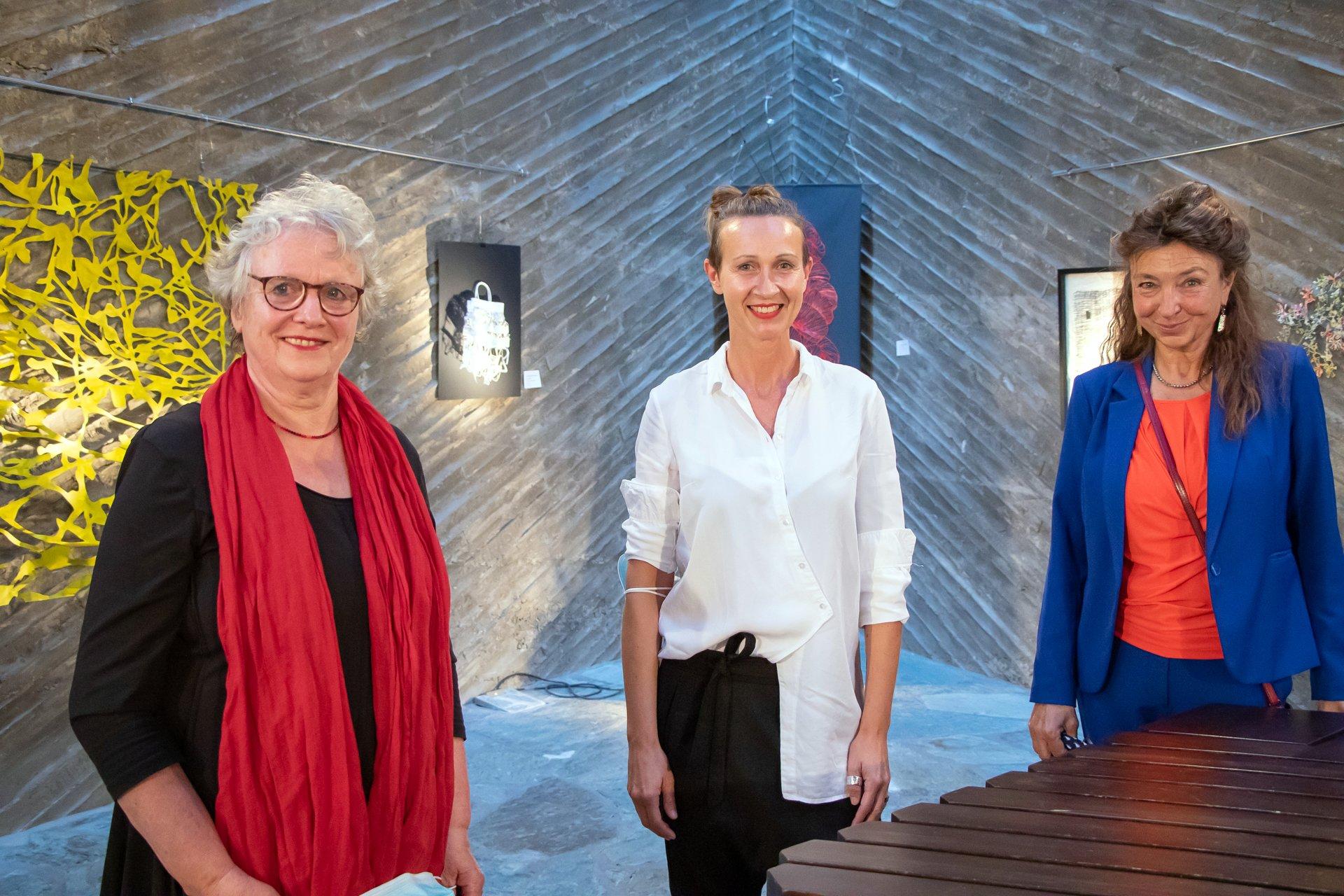 Marie Bruske-Schmachtenberg Andrea Wycisk Antje Krawietz Einzigartige Kunst Alles außer artig Ausstellung in der Kulturkirche Ost Köln