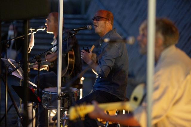 Die Band Heartliners um Stephan Nathe (M.) beim Doppelkonzert an unserer KULTURKIRCHE OST. Foto: Thilo Schmülgen